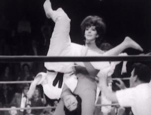 wrestling_women_aztec_mummy_pic04